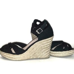 🆕 NWOB Canvas Straw Wedges